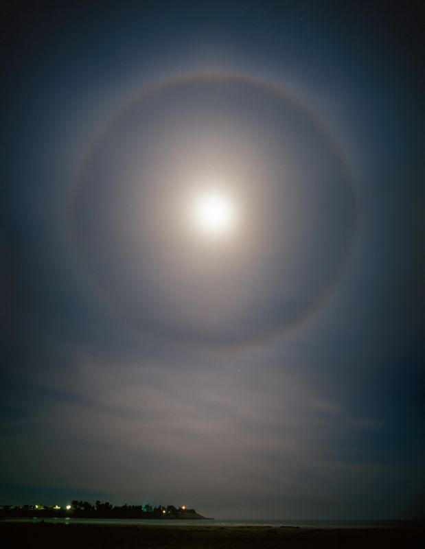 9563-5a1a Moon Halo - Portrait-