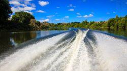 Lower Whanganui River H7588-2